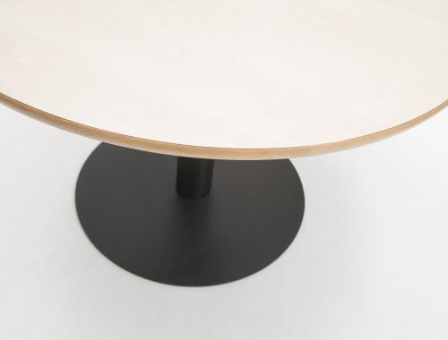 moments production seating collection_moments furniture_tafel Discus