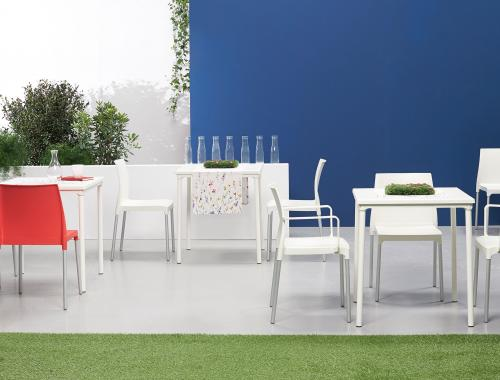 moments furniture_Discovered by moments_outdoor collection_buitenmeubilair_Chloe Trend